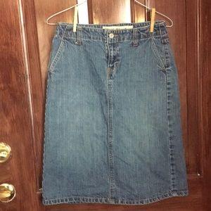 Gap knee length denim pencil skirt, size 2